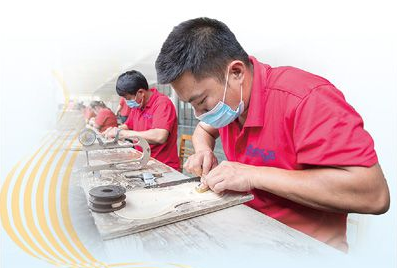 邓州:亿元产业园项目开工